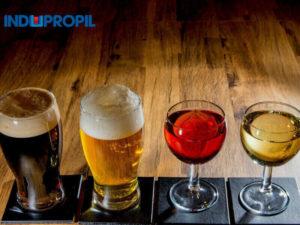 vinho-ou-cerveja-2-copos-2-taças