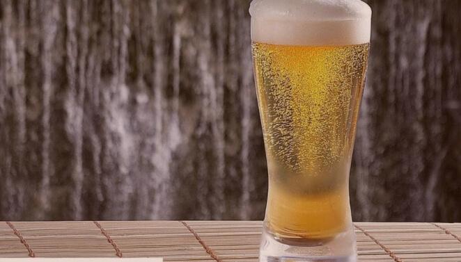 cerveja com carbonatação forçada